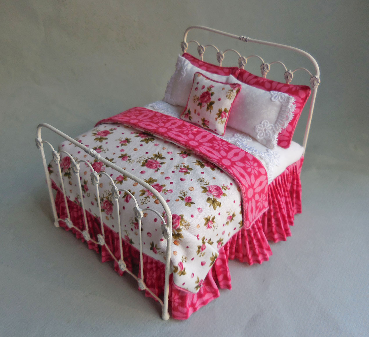 Picture of: Rosebud White Iron Bed