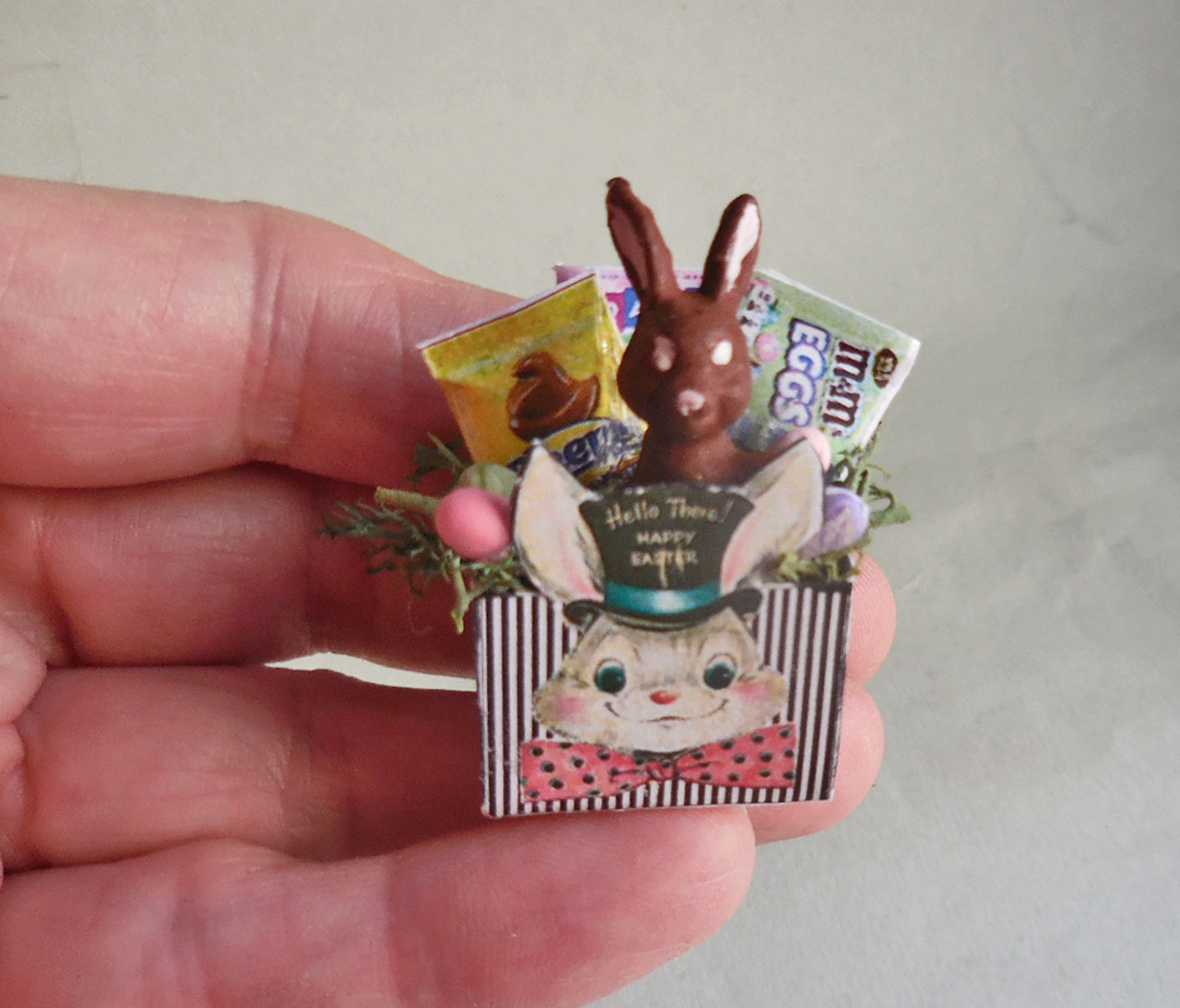 TOP HAT EASTER BUNNY CANDY BOX