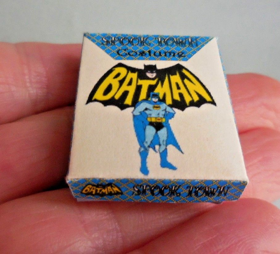 BATMAN COSTUME BOX