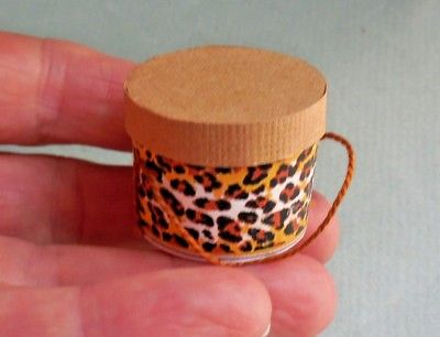 SMALL ROUND ANIMAL PRINT LADY'S  HAT BOX