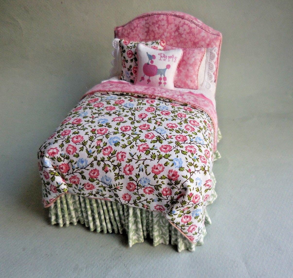 GARDEN FOLLY TWIN BED