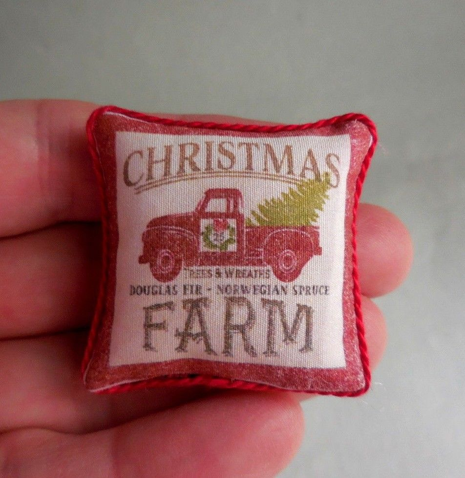 RED TRUCK CHRISTMAS  PILLOW ~ HANDMADE