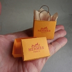 DOLLHOUSE MINIATUE 'HERMES' BAG & BOX