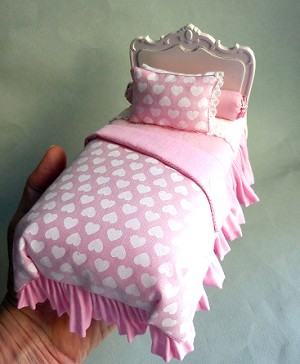 SWEET HEART BED